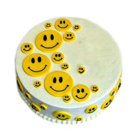 Send online 1 Kg Smile vanilla cake delivery in kanpur