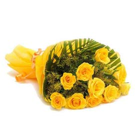 buy 10 yellow roses designer bunch urgent delivery in Kanpur