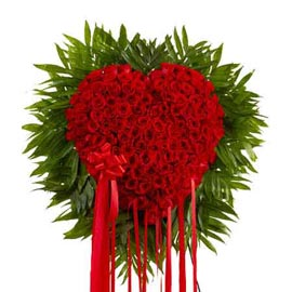 buy 100 red roses heart shape cane basket same day delivery in kanpur