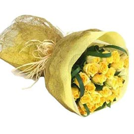 send 24 yellow roses paper bunch midnight delivery in kanpur