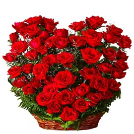 buy 50 red roses heart arrangement same day delivery in kanpur