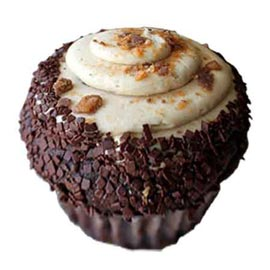 Send online chocolate buttery crunch cup cake delivery in kanpur