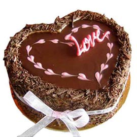 online delivery of chocolate dust heart cake in Kanpur