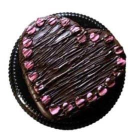 24 hrs online choco rich heart cake delivery in Kanpur