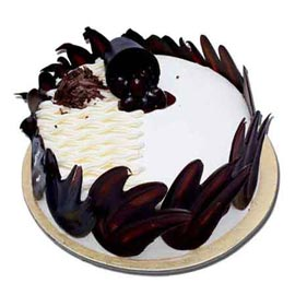 Urgent delivery of half kg designer black forest cake in Kanpur