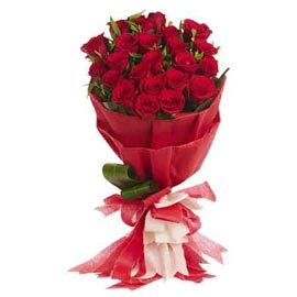 send 15 red roses designer bunch same day delivery in kanpur