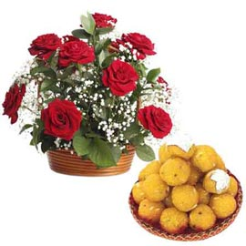 Same day online 1 kg moti choor laddu n roses combo in kanpur