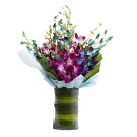 send purple & white orchids glass vase urgent delivery in kanpur