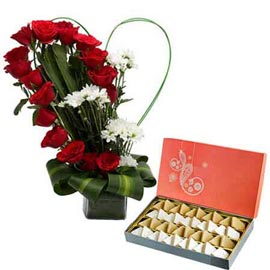 buy mix flowers heart shape vase arrangment n kaju katli in kanpur