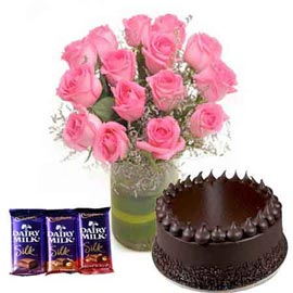 24 hrs online chocolates, chocolate cake n pink roses in vase kanpur