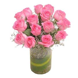 send 15 pink roses glass vase midnight delivery in Kanpur