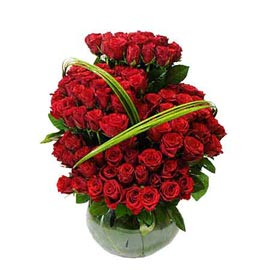 send 100 red roses fish bowl shape glass vase same day delivery in kanpur