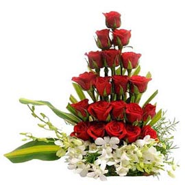 send mix roses n orchids designer basket midnight delivery in kanpur