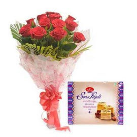Midnight online half kg soan papdi pack n red roses bunch kanpur