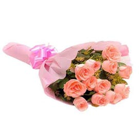 buy dozen pink roses pink paper bunch 24 hrs delivery in kanpur