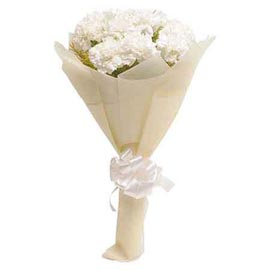 buy 10 white carnations designer bunch midnight delivery in kanpur
