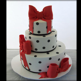 Order Anniversary Special Cakes delivery in Kanpur