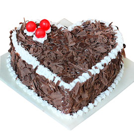 buy online half kg black forest heart cake delivery in kanpur