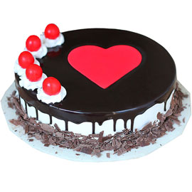 Buy online half kg Blackforest Love Lava cake delivery in kanpur