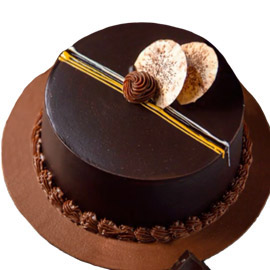 24 hrs delivery of half kg chocolate vanilla cake delivery in kanpur