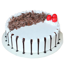 Buy online half kg Classic Blackforest cake delivery in kanpur