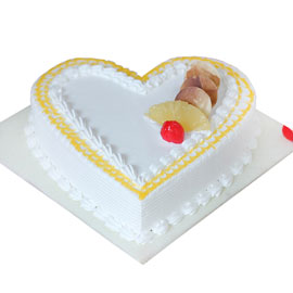 buy online half kg Classic Pineapple Love cake delivery in kanpur