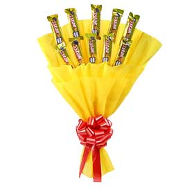 24 hrs online 5-star chocolate yellow paper packing bunch delivery in kanpur