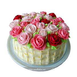Flower basket cake delivery in kanpur