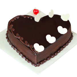 Gift half kg german truffle heart cake online delivery @ kanpurgifts.com