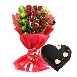 send online 1 kg chocolate heart cake n red roses designer bunch in kanpur