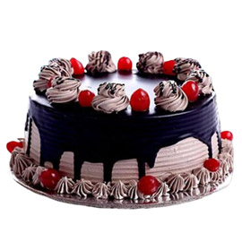 24 hrs delivery of half kg choco drip cake delivery in kanpur