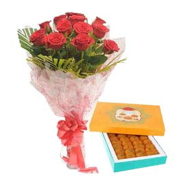 Midnight online 1 kg motichoor laddu n red roses in kanpur