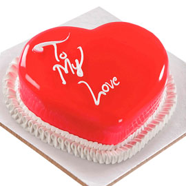 Gift half kg red vanilla heart cake online delivery @ kanpurgifts.com