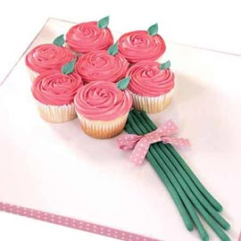 Same day online rose bouquet cup cake delivery in kanpur