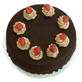 half kg yummy chocolate cake midnight delivery in Kanpur